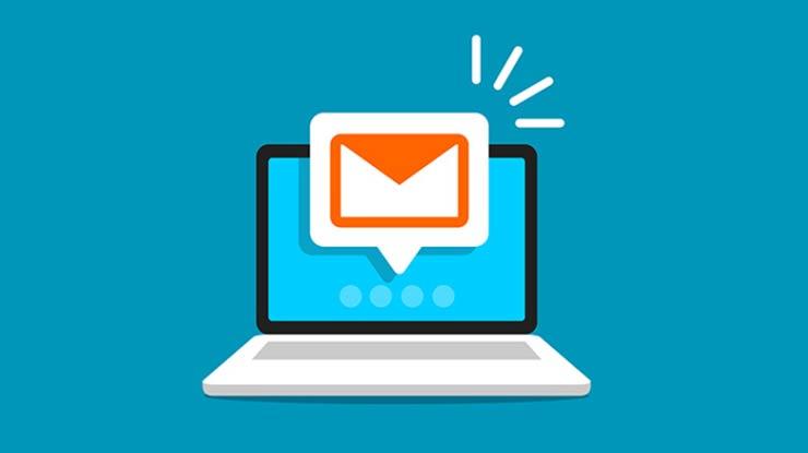 Lewat Email